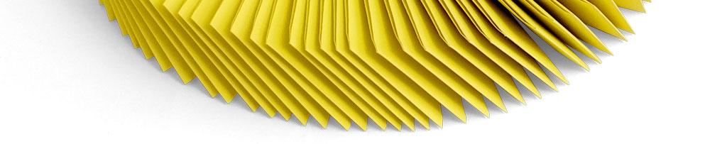 Tombola Bewilligungen - Gelbe Tombolalose auf Schnur als Kranz